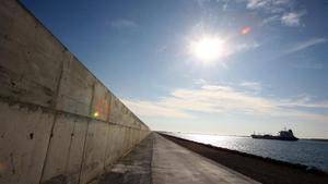 El dique Est del puerto de Barcelona, en una foto de archivo.