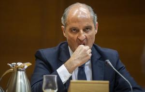 Francisco Camps, en una declaración en una comisión de investigación en Les Corts