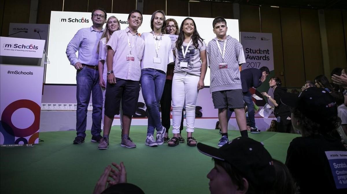 Alumnos del Institut La Valira, de La Seu d'Urgell, premiados en el concurso mSchools.