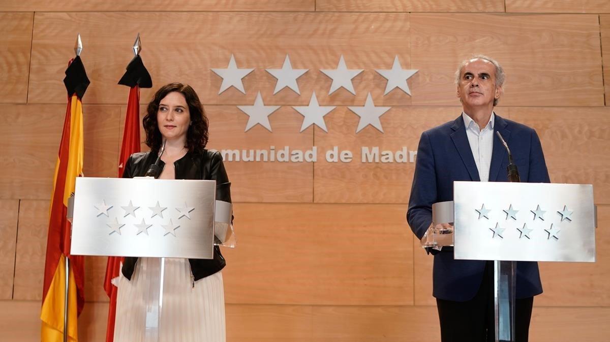 Isabel Díaz Ayusoy el consejeroEnrique Ruiz Escudero, esta mañana