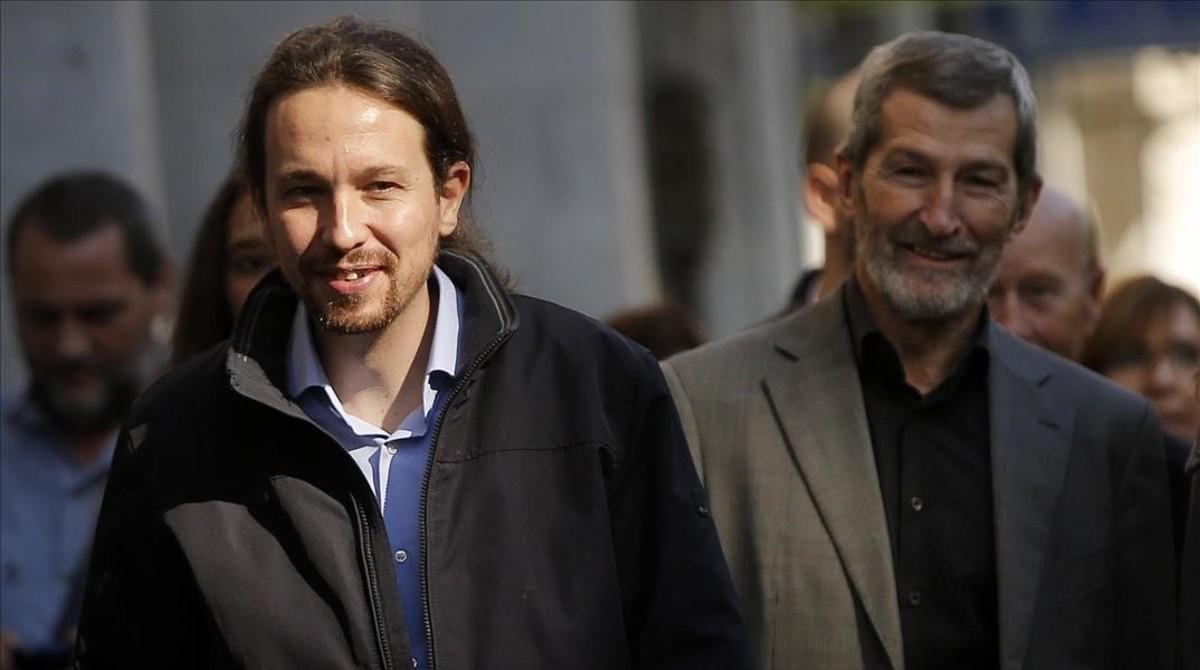 Pablo Iglesias y el exJemad, Julio Rodríguez, en 2015.