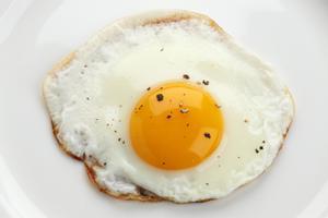 Teletreball: ¿Cremar-se cuinant un ou ferrat es considera accident laboral?