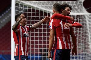 Los jugadores del Atlético celebran el gol del 1-0 ante el Bayern.