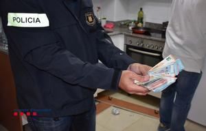 Detinguts dos lladres que van assaltar una casa a l'Ametlla de Mar i van lligar la propietària