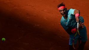 Nadal, entre el sol y las sombras, en Roland Garros.
