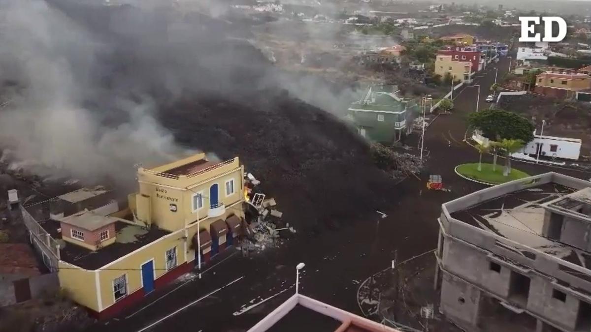 La lava del volcán de La Palma toma Todoque, a vista de dron.