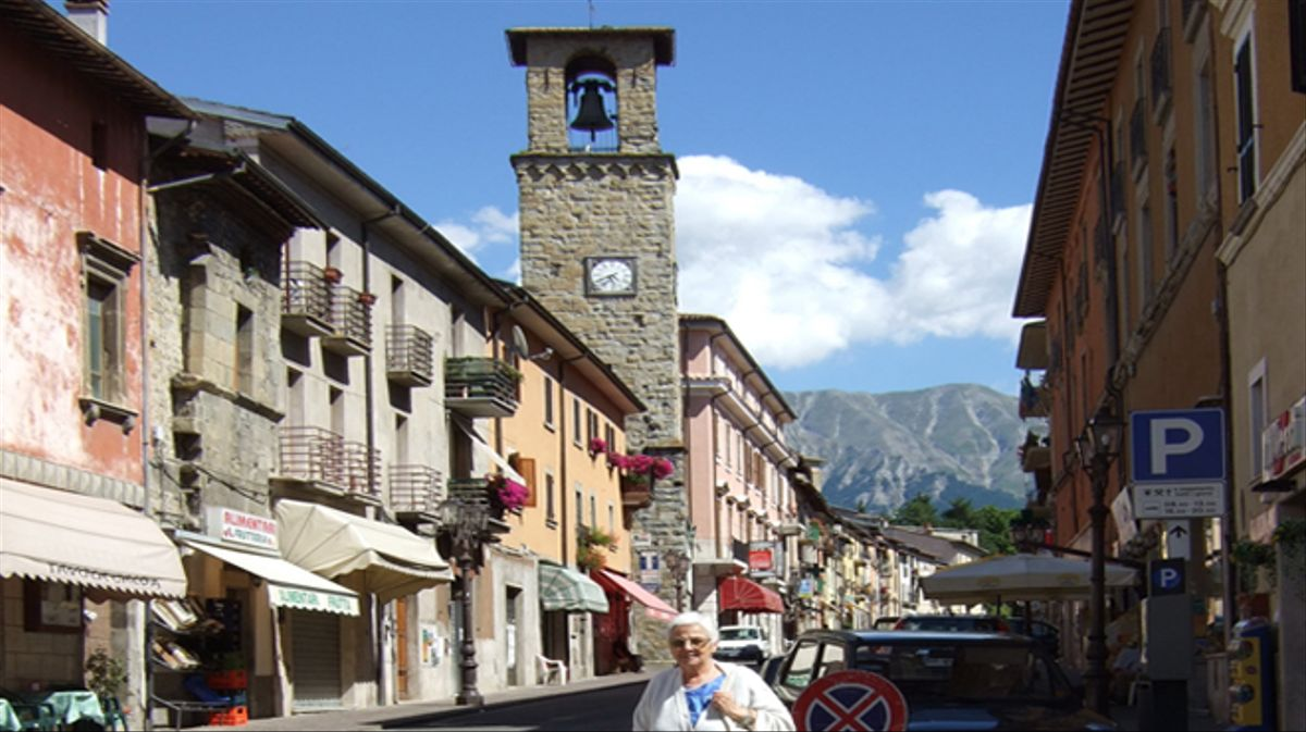 Así era la comuna de Amatrice a vista de dron. Hoy tres cuartas partes de la ciudad estan destruidas.