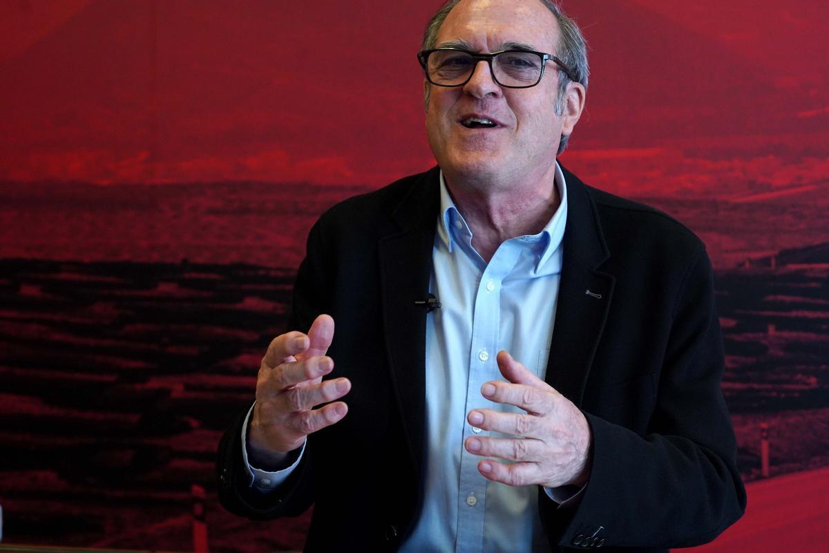Entrevista al candidato del PSOEa la Presidencia de la Comunidad de Madrid, Ángel Gabilondo, en Ferraz. / DAVID CASTRO