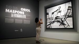 'Oriol Maspons. La fotografía útil'. La comisaria de la exposición del MNAC comenta la muestra.