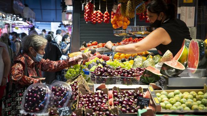 Hoteles y alimentos aceleran la inflación al 2,9 % en julio