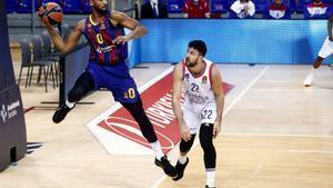 Micic i Larkin castiguen el Barça al Palau