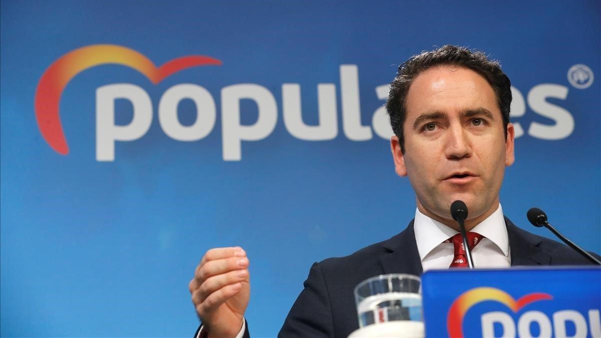 El secretario general del PP, Teodoro García Egea, durante la rueda de prensa ofrecida este lunes en la sede del partido.