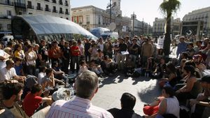 Acampada del colectivo de indignados en la Puerta del Sol el 16 de mayo de 2011