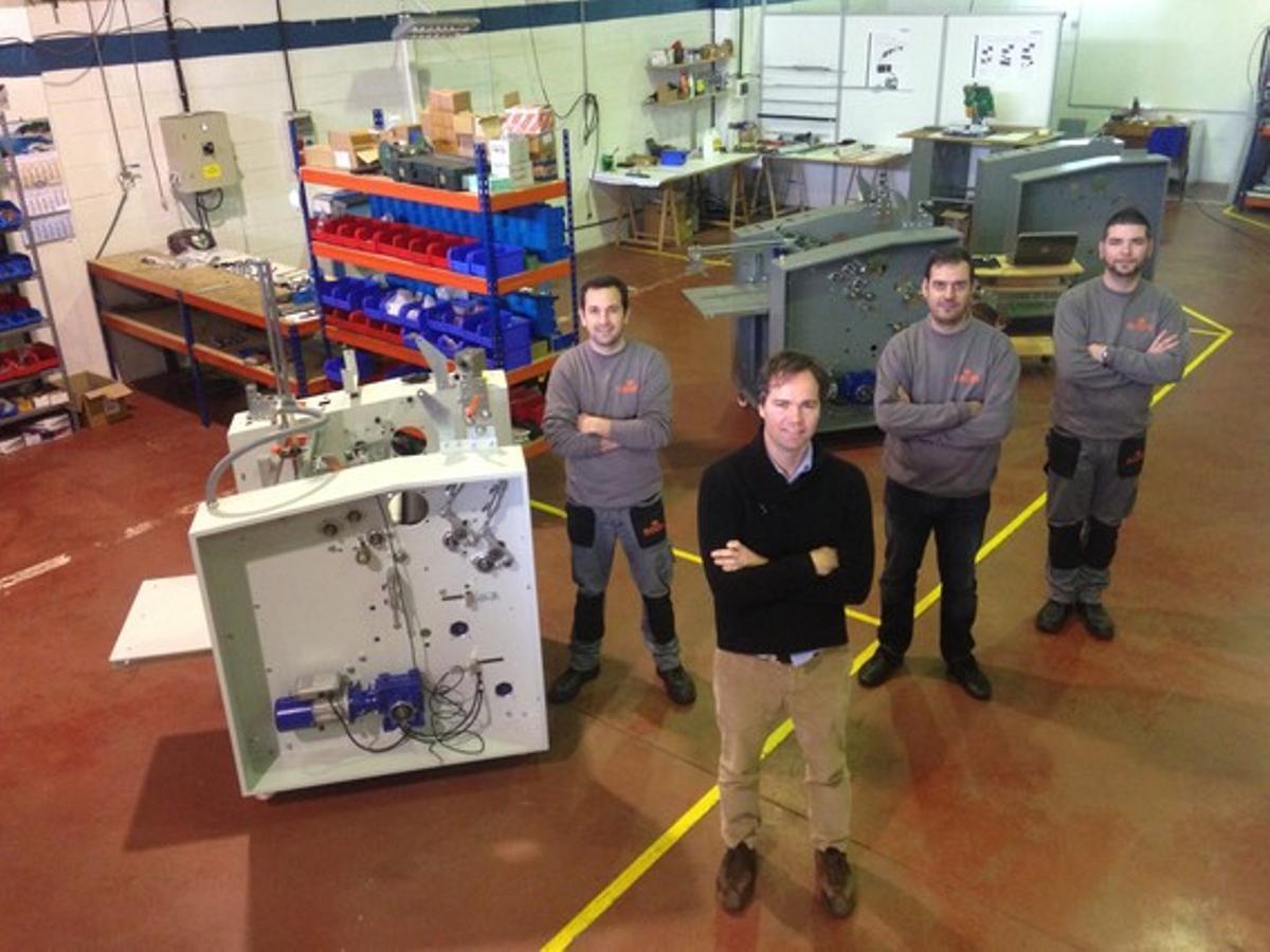 Jordi Marti Sevil, director comercial de Bagel Systems, y su equipo.