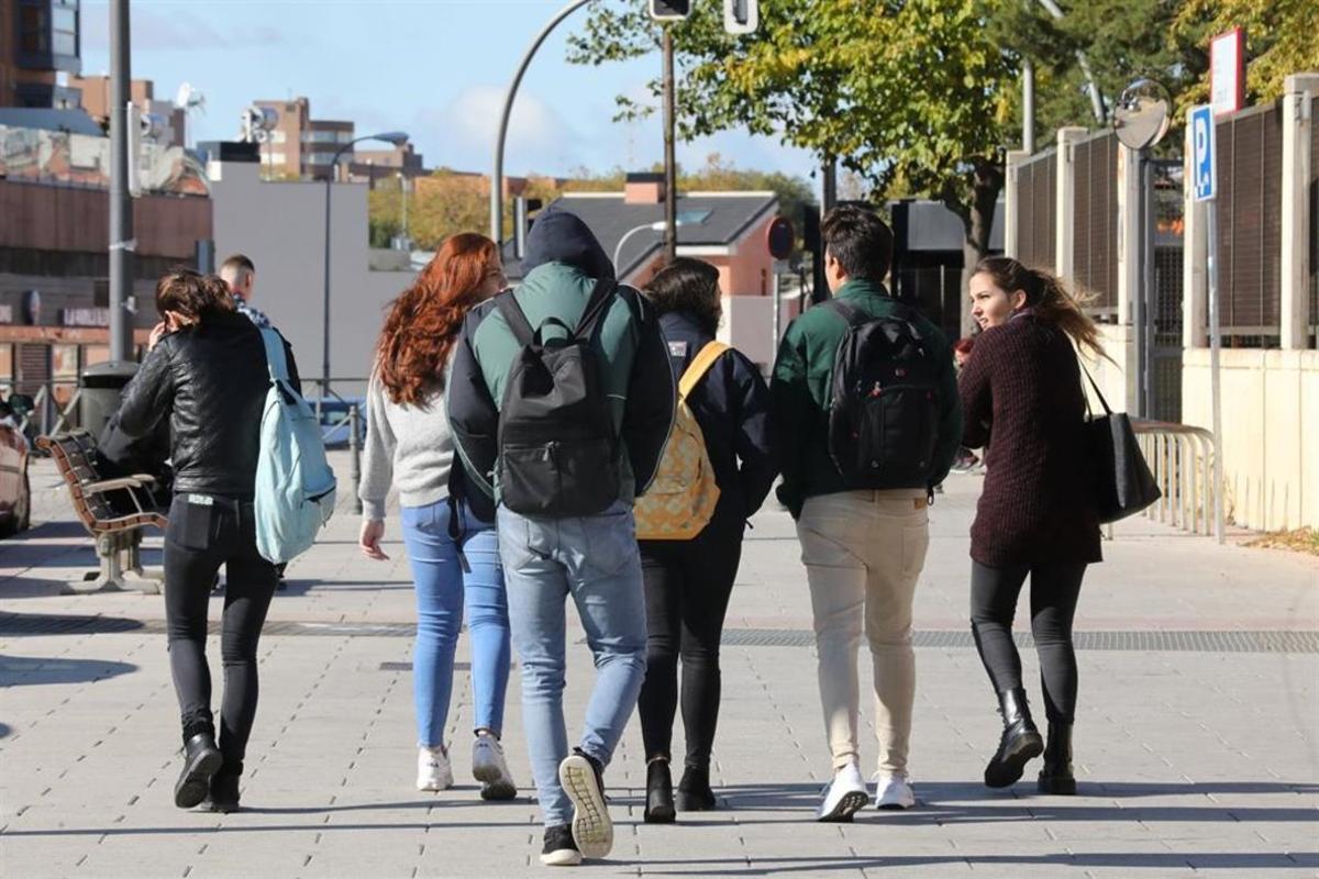 Un grupo de jóvenes.