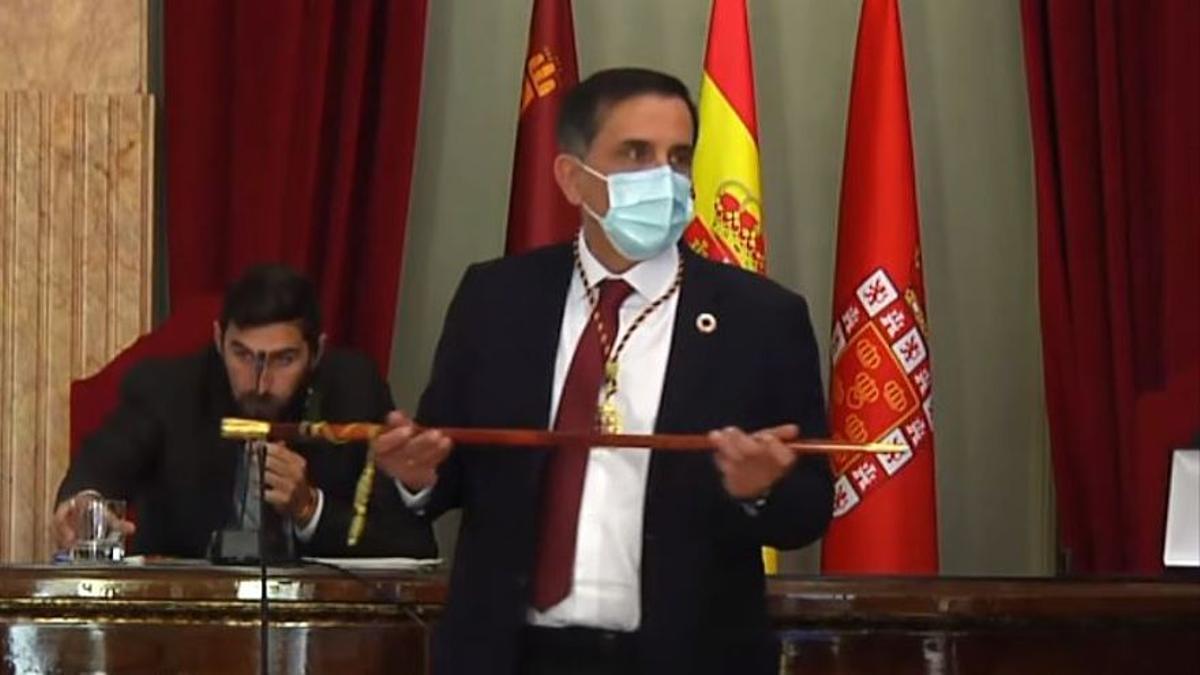 La moción de censura sale adelante en Murcia: José Antonio Serrano, nuevo alcalde