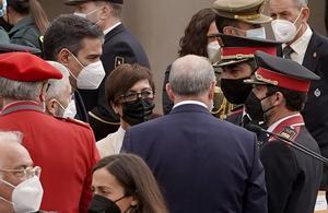 Pedro Sánchez habla con el jefe de los Mossos, Trapero.