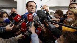 Les enquestes a peu d'urna assenyalen el nacionalista Kurti clar guanyador a Kosovo