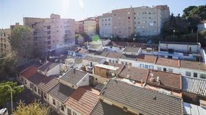 Vista general de Can Peguera, en Nou Barris.