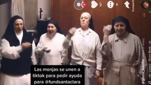 Las monjas de Santa Clara de Manresa bailan en Tik Tok para pedir ayuda.