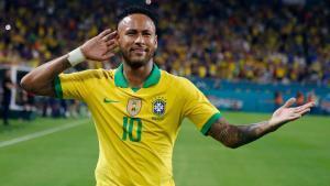 Neymar celebra su tanto ante Colombia.