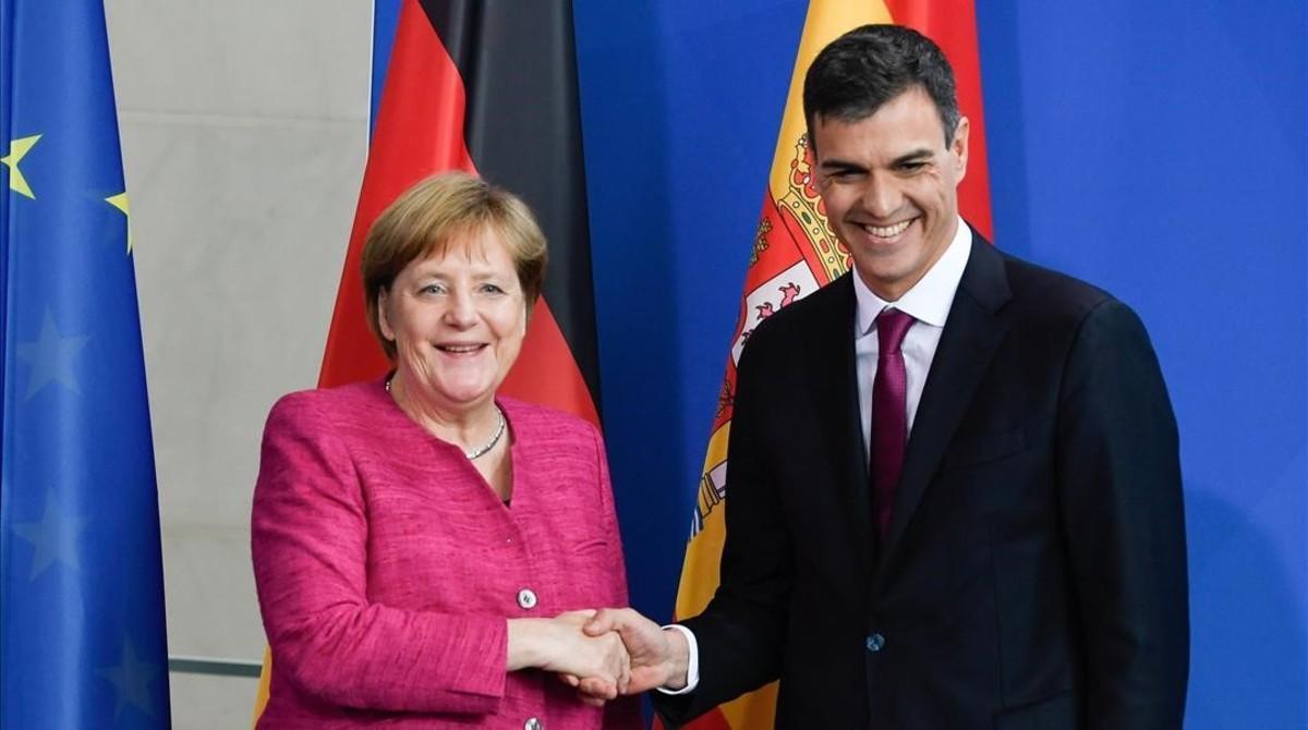 Pedro Sánchez y Angela Merkel tras su encuentro en Berlín, el pasado 26 de junio.