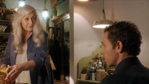 Mercedes Sampietro y Pablo Derqui, en el rodaje de la nueva serie de TV-3 'Si no t 'hagués conegut'.
