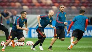 Iniesta, en el entrenamiento de la selección española en el estadio de Luzhniki de Moscú.
