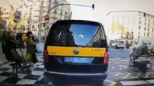 Atropello de un ciclista a un peatón en Barcelona