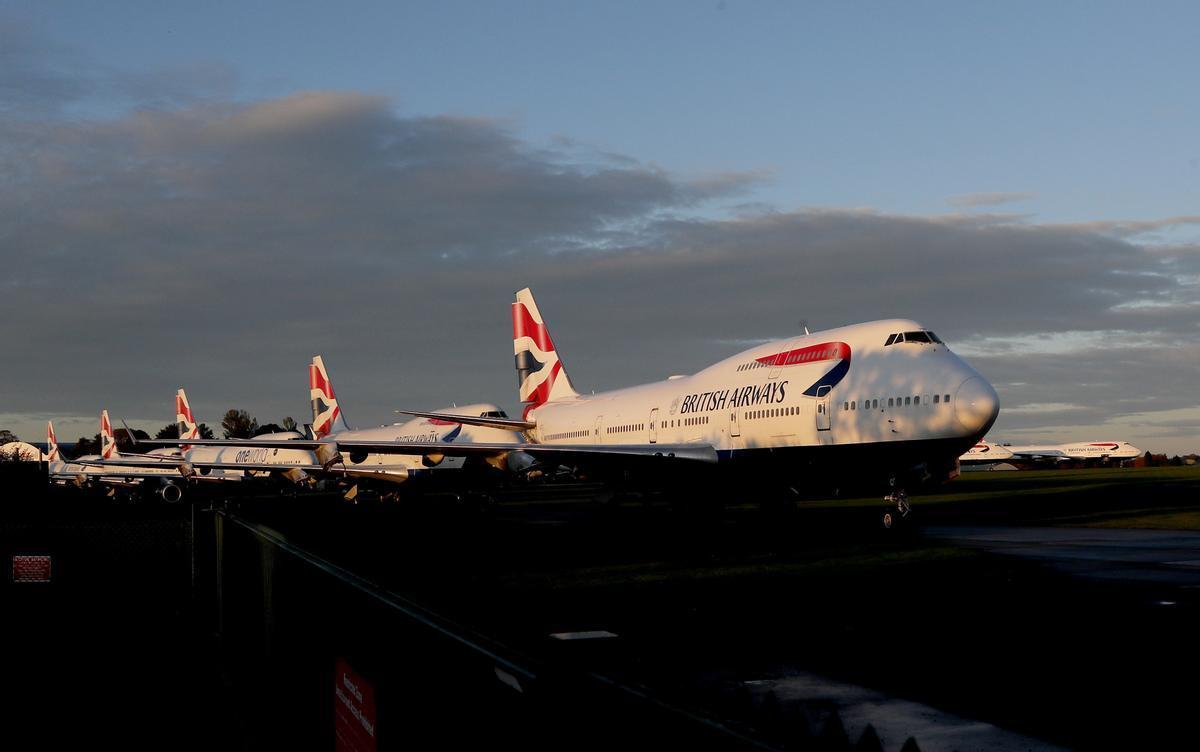Espanya amplia 14 dies més les restriccions a vols i barcos del Regne Unit