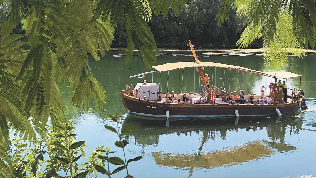 Navegar por el Ebro a bordo de un 'llaüt'