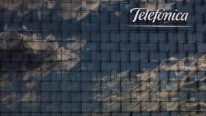 La fachada del cuartel general de Telefónica en Madrid.