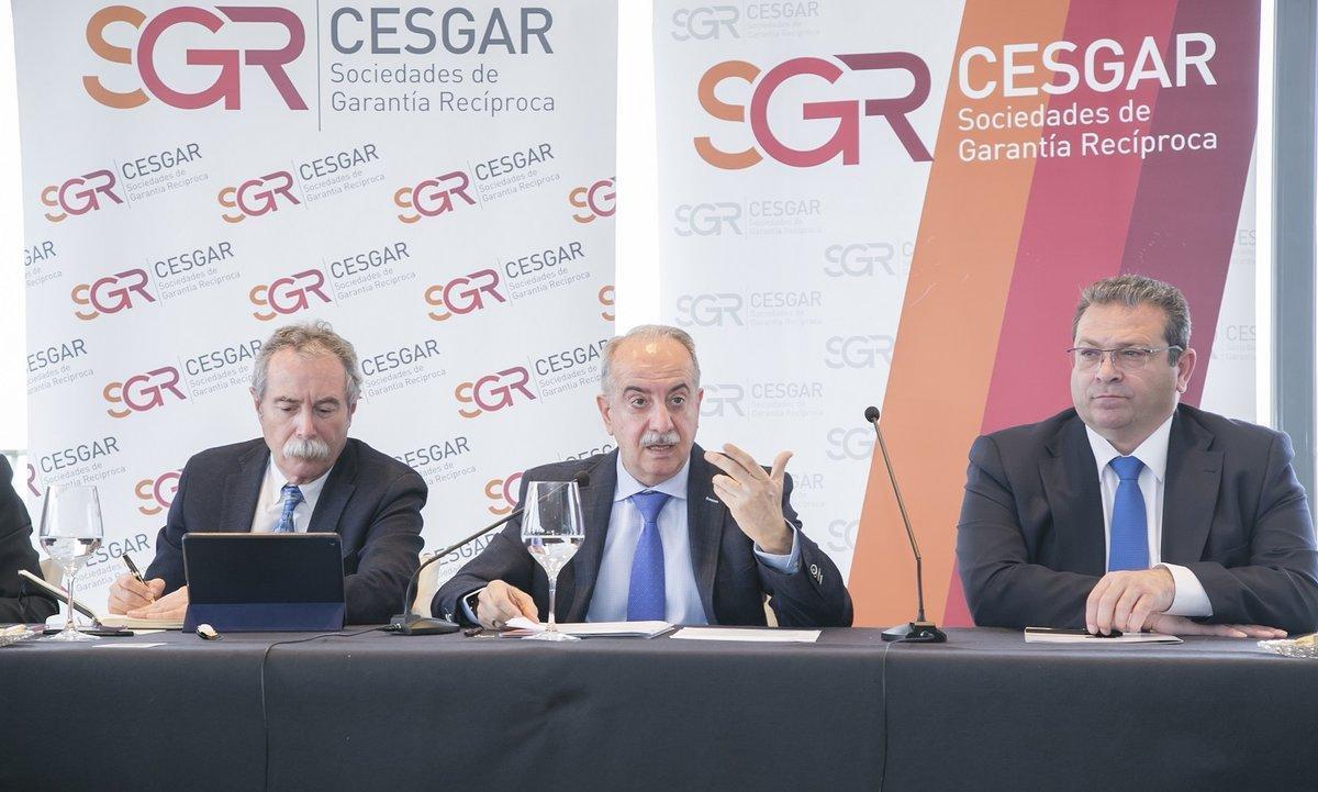 Presentación del informe anual de Cesgar a cargo del presidente de la entidad, Antonio Couceiro.
