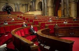 El hemiciclo del Parlament,  con la asistencia de diputados en el último pleno de la legislatura.