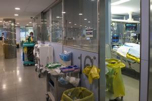 Una uci del Hospital Universitari Doctor Josep Trueta de Girona, Catalunya (España).