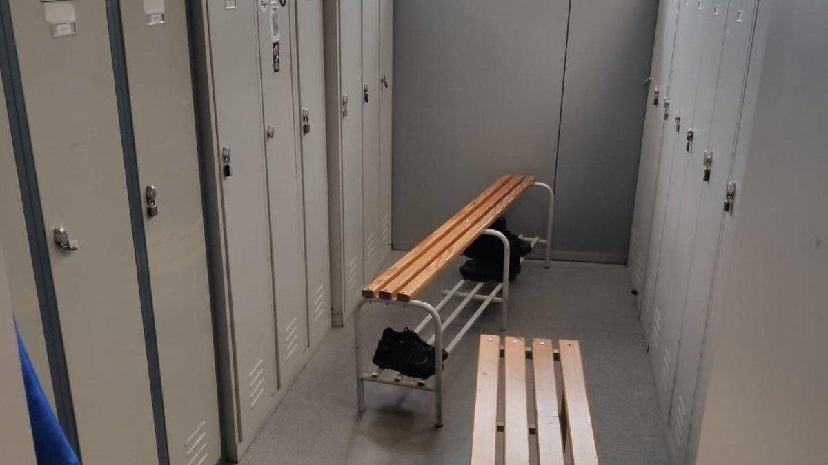 Imagen de los vestuarios de la comisaría del ABP de Esplugues de Llobregat.