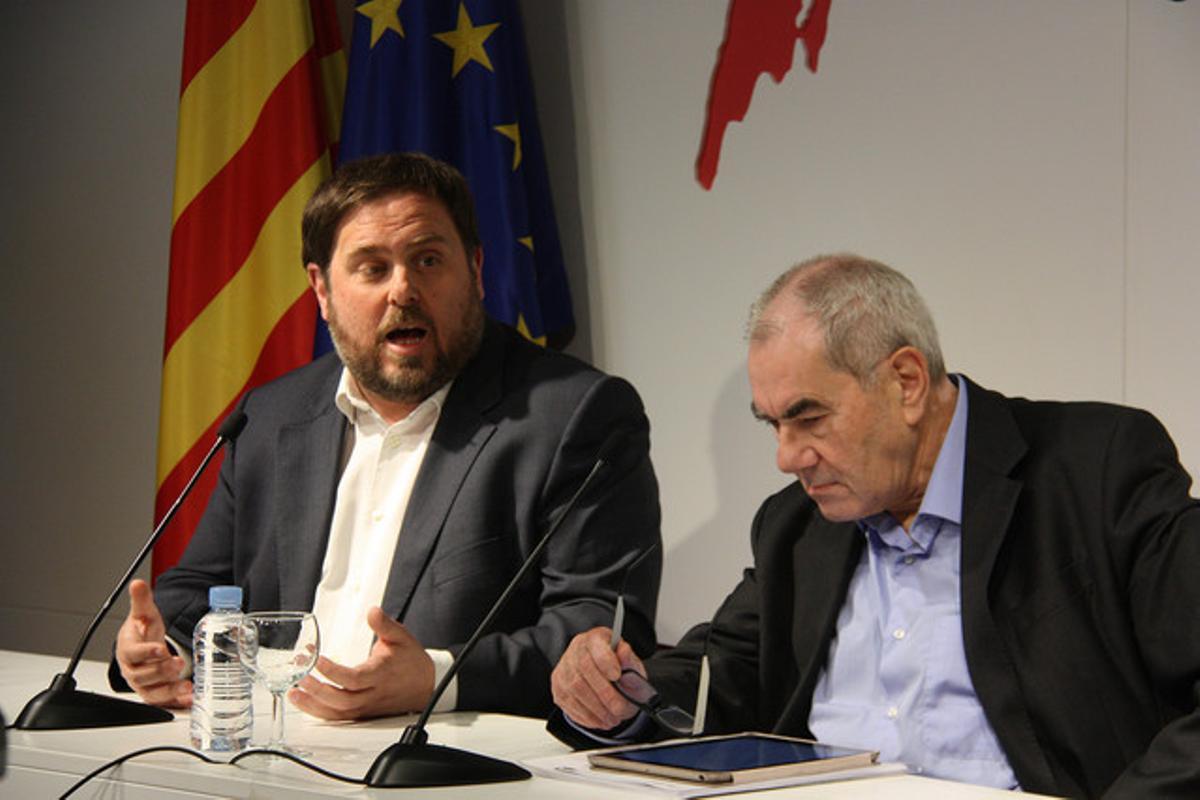 Oriol Junqueras (izquierda) y Ernest Maragall, en un acto en el Col·legi de Periodistes de Catalunya, el 4 de marzo.