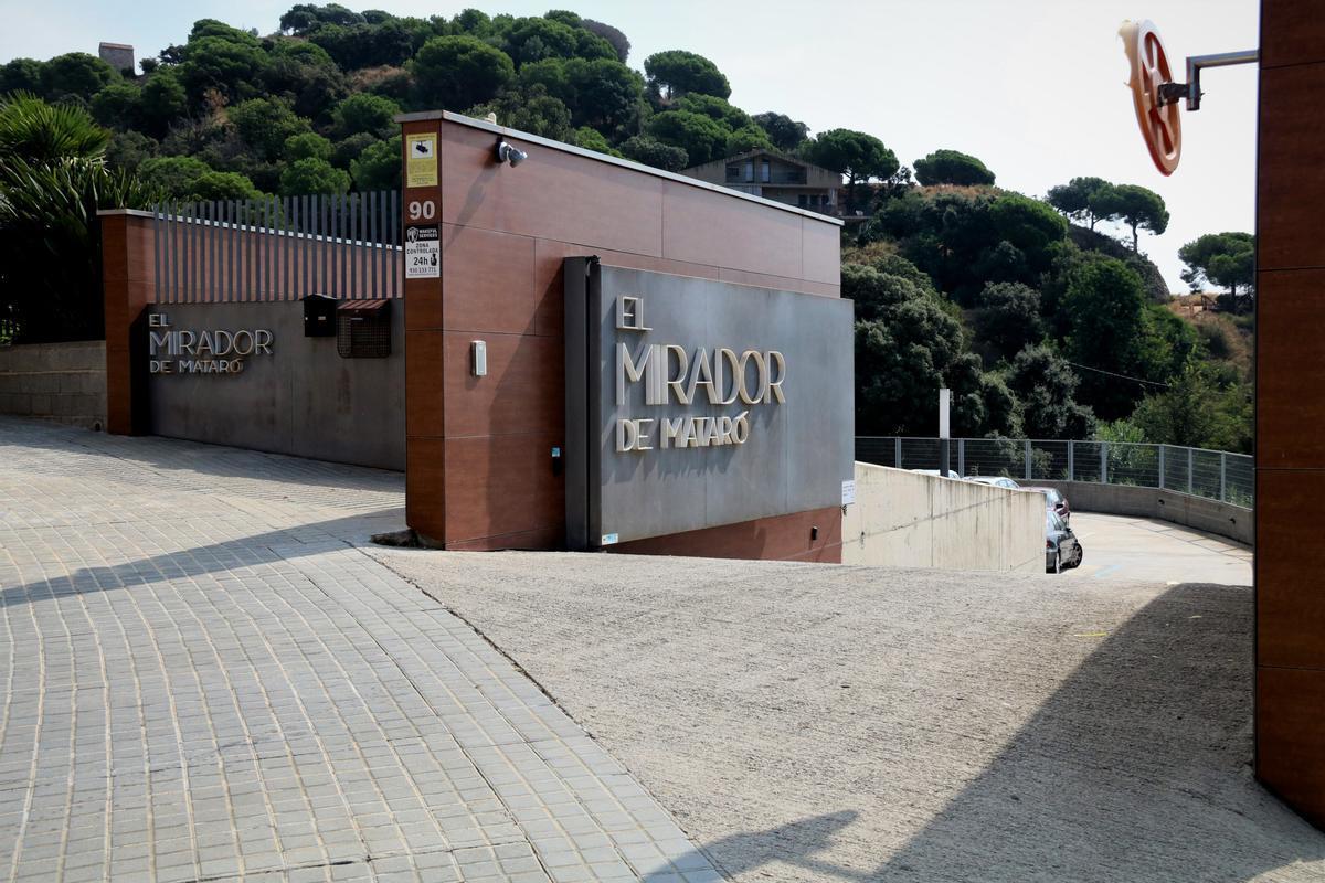 Avis d'una residència de Mataró utilitzen ulleres 3D per fer passejos virtuals
