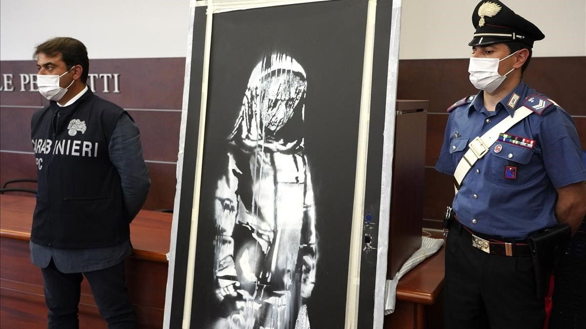 El mural de Banksy robado de la sala Bataclan, hallado en Italia