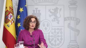 La ministra de Hacienda y Portavoz del Gobierno, María Jesús Montero, en una rueda de prensa.