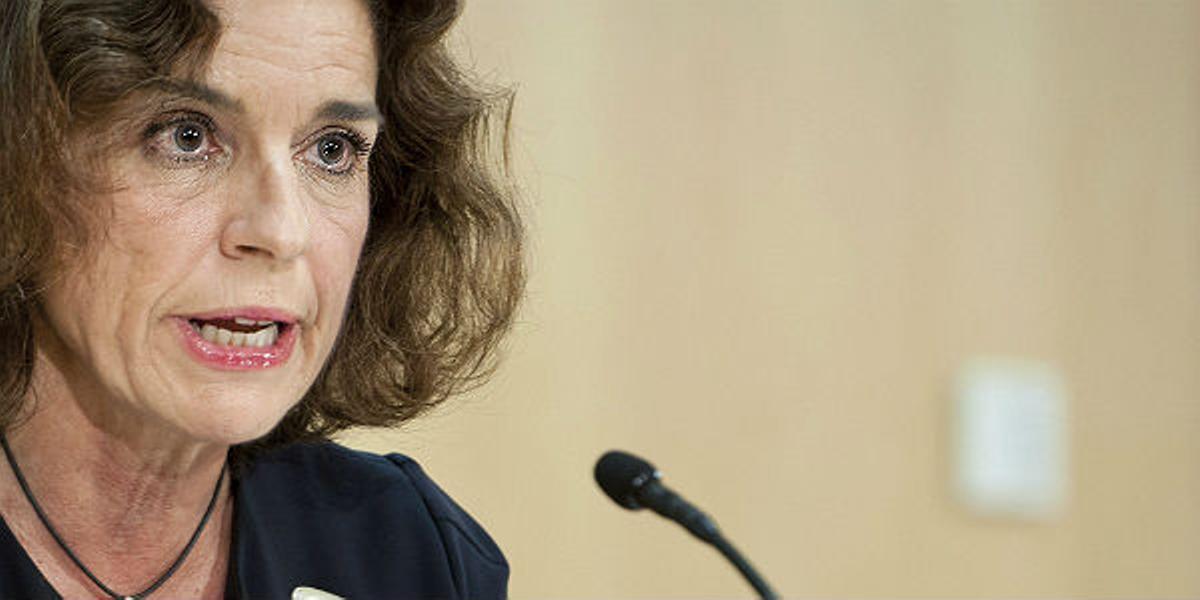 Ana Botellla defiende la reforma laboral.
