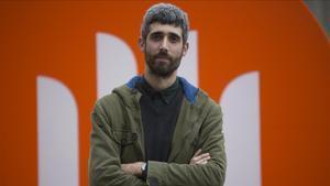 El escritor Víctor García Tur, en el 2018, cuando ganó el premio Mercè Rodoreda.