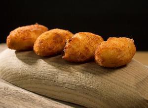 Las croquetas de jamón de Nacho Manzano (Casa Marcial, dos estrellas Michelin).