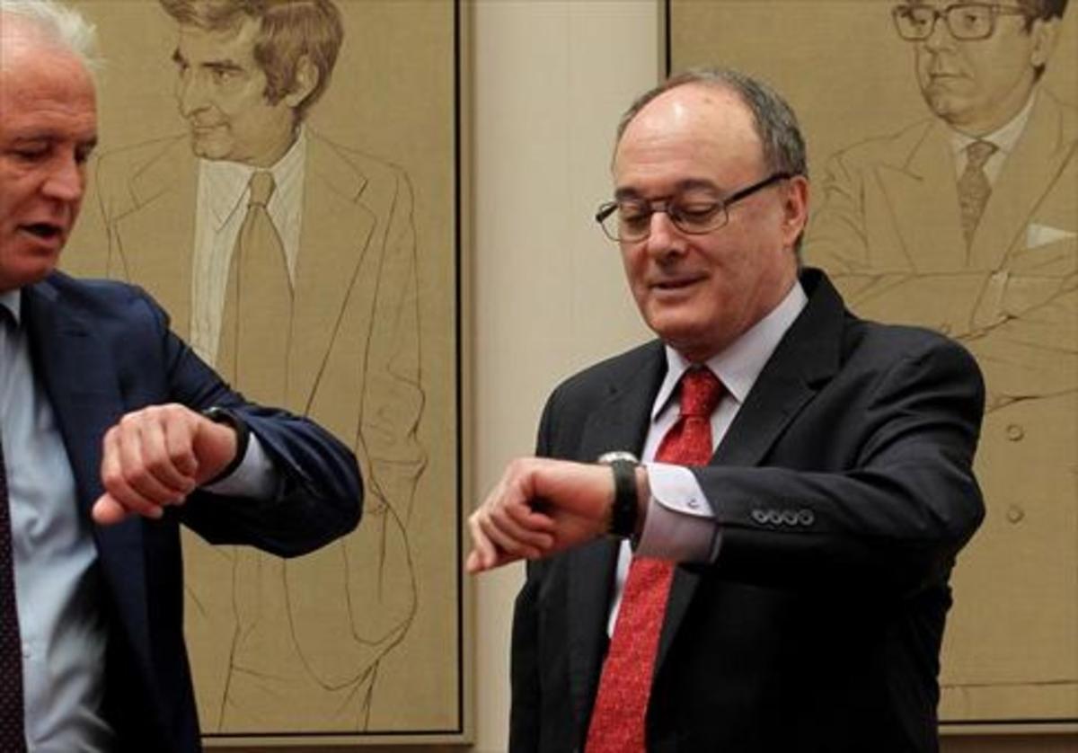 El gobernador del Banco de España, Luis María Linde, que debe dejar su cargo en junio, en la Comisión de Economía del Congreso.