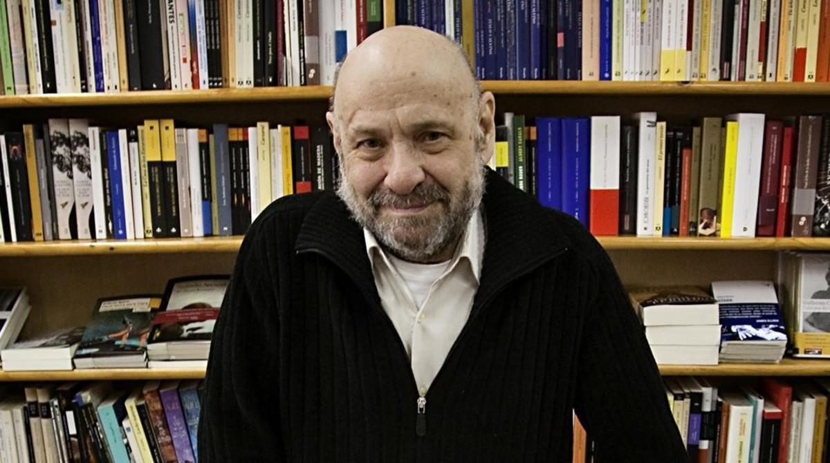 José Batlló, en su librería Taifa, en el 2010.