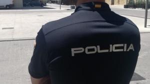 21/08/2019 Imagen de recurso de un agente de la Policía Nacional