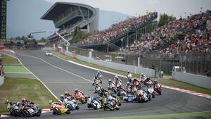 La emblemática tribuna del Circuit, durante la carrera de Moto2 del 2012.