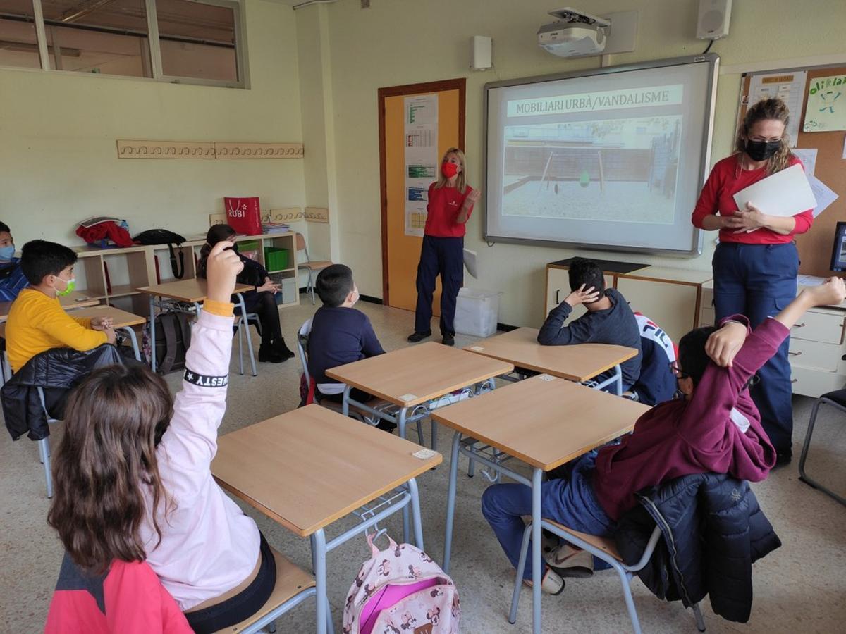 Rubí impulsa un taller de civisme i convivència per als alumnes de tercer i quart de primària de la ciutat
