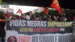 Una protesta antirracista en Brasil.