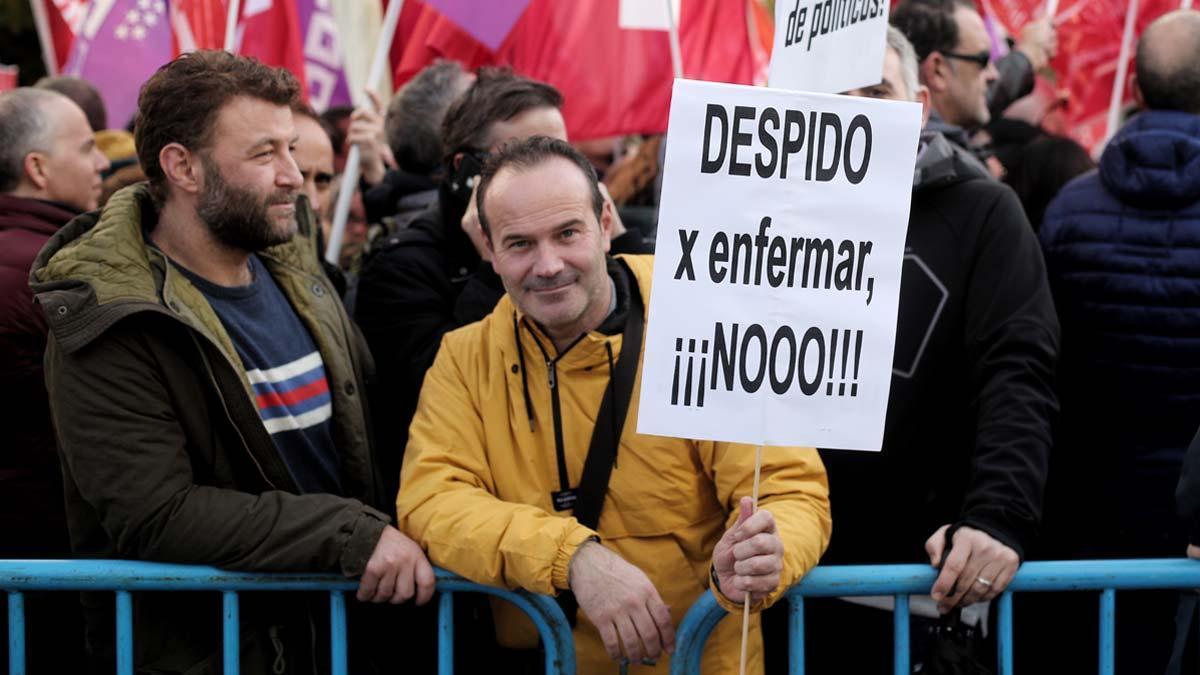 Manifestación contra el despido por enfermedad